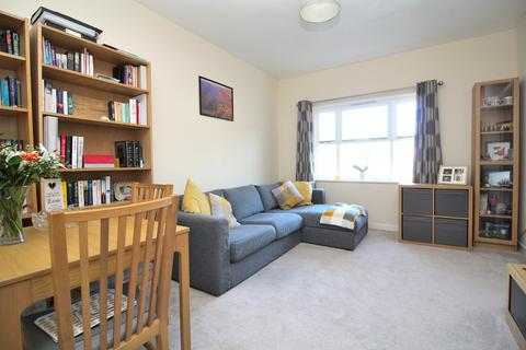 2 bedroom apartment for sale - Stapleford Close, Chelmsford, Essex, CM2