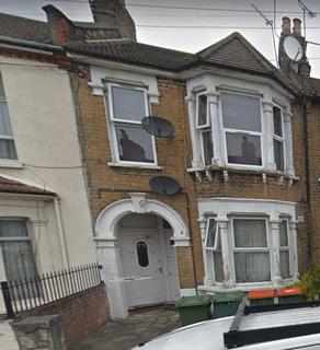 2 bedroom flat to rent - Stafford Road, London, E7