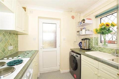 2 bedroom semi-detached bungalow for sale - Heritage Close, Seasalter, Whitstable, Kent