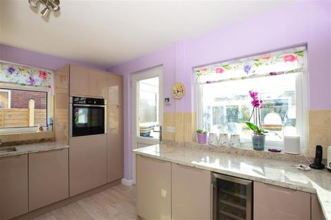 3 bedroom bungalow for sale - Coniston Road, Goring-By-Sea, Worthing, West Sussex