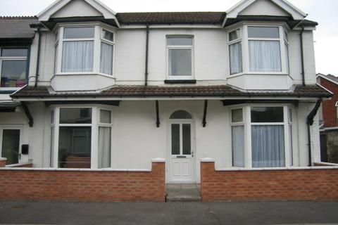 6 bedroom terraced house to rent - Lewis Street, , Treforest, CF37 1BZ