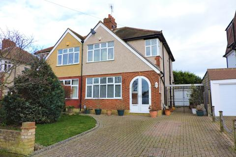3 bedroom semi-detached house for sale - Courtlands Drive, Epsom, KT19