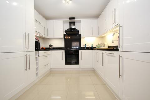 2 bedroom maisonette to rent - Gordon Hill, Enfield Chase, EN2 0QT - High End Gated Development - Two Bedroom maisonette with Garden