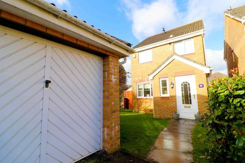 3 bedroom detached house for sale - Cae Castell, Swansea, West Glamorgan, SA46UJ