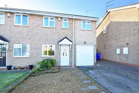 3 bedroom semi-detached house for sale - Rushcliffe Drive, Meir Park, ST3 7UQ