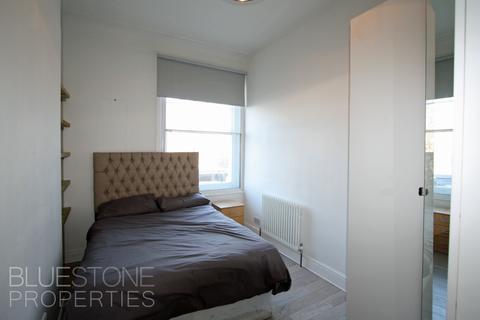 2 bedroom flat share to rent - Balham High Road, Balham  SW17