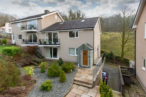 3 bedroom apartment for sale - 27 Beechwood Close, Bowness-on-Windermere, Cumbria, LA23 3AB