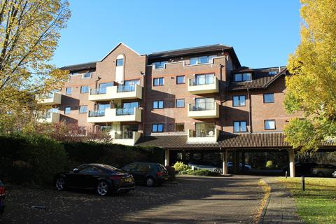 2 bedroom apartment to rent - Ray Park Road Maidenhead Berkshire