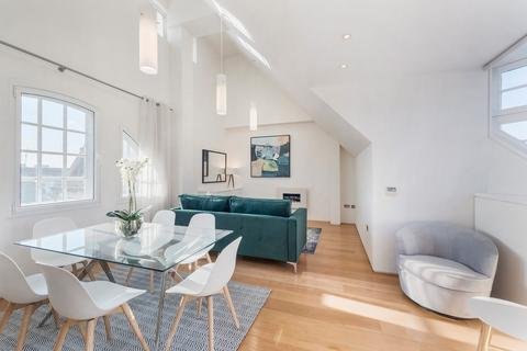 3 bedroom apartment to rent - Swallow Street, Mayfair, W1