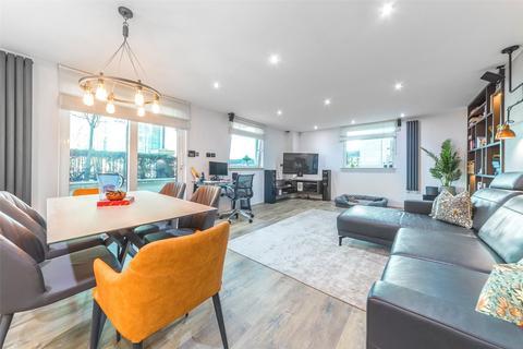 2 bedroom apartment for sale - Bridge House, 18 St George Wharf, Vauxhall, London, SW8