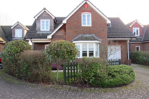 4 bedroom detached house to rent - Seymour Gardens, Ringwood