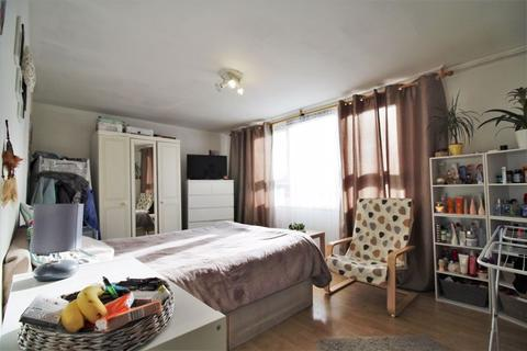3 bedroom maisonette for sale - West Green Road, London N15