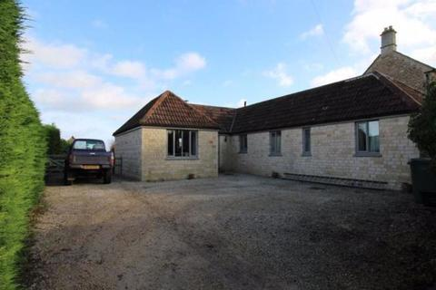 3 bedroom detached bungalow to rent - Studley Hill, Calne