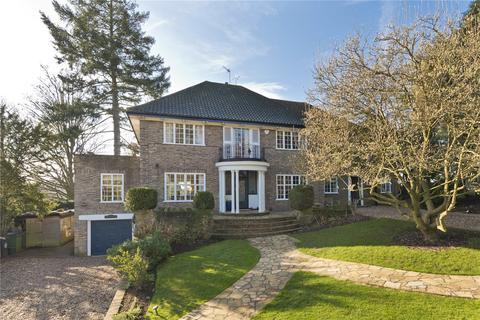 5 bedroom detached house for sale - Pelhams Walk, Esher, Surrey, KT10