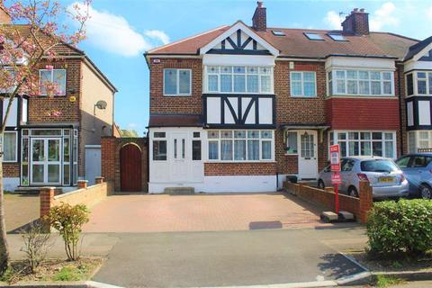 3 bedroom semi-detached house to rent - Brackley Square, Woodford Green, Essex