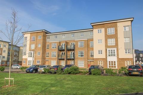 2 bedroom flat for sale - Gwendoline Buck Drive, Aylesbury