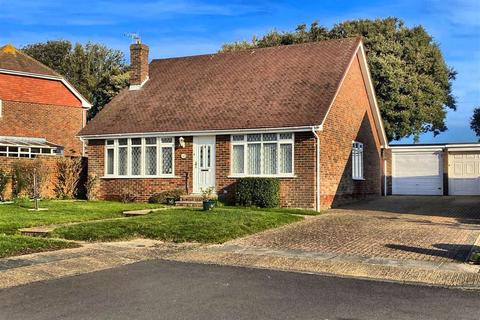 2 bedroom detached bungalow for sale - Barcombe Avenue, Seaford, East Sussex