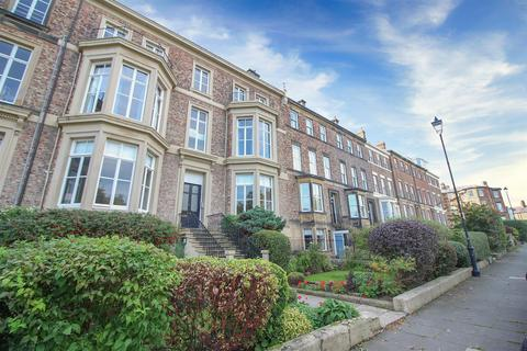 2 bedroom flat for sale - Priors Terrace, Tynemouth