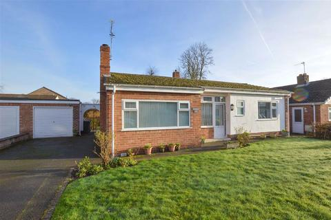2 bedroom detached bungalow for sale - Oakridge Road, CH62