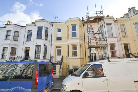 1 bedroom flat for sale - Ceylon Place, Eastbourne