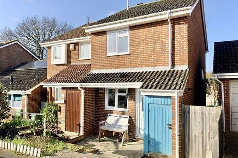 2 bedroom semi-detached house for sale - Sunningdale Close, Bexhill On Sea