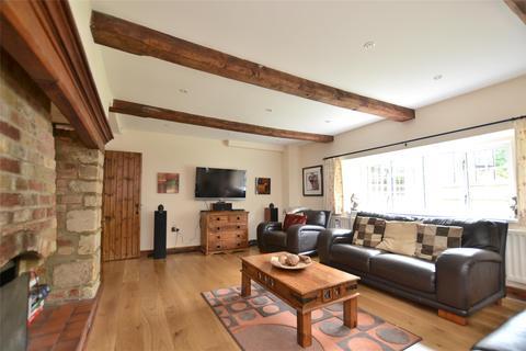 4 bedroom detached house to rent - Antara House Upper Meadow, Headington, OXFORD, OX3