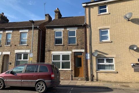 3 bedroom semi-detached house to rent - Sandhurst Place, Bedford, Bedfordshire, MK42