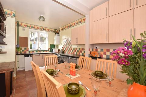 3 bedroom end of terrace house for sale - Bramber Road, Chichester, West Sussex