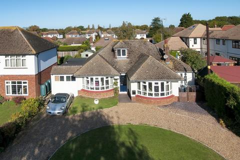 4 bedroom detached house for sale - Longtye Drive,  Chestfield, CT5
