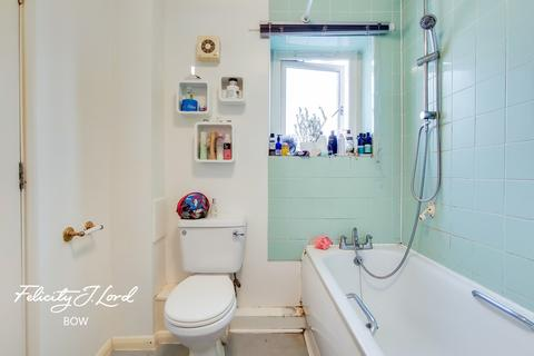 2 bedroom flat for sale - Hornbeam, London