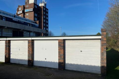 Garage to rent - Falmouth Road, Leicester, LE5