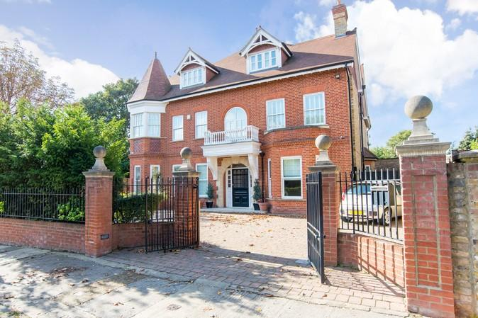 10 Bedrooms Detached House for sale in Westbury Road, Ealing