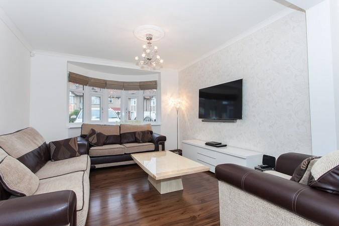 4 Bedrooms House for sale in Rosedene Avenue, Greenford