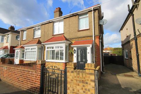3 bedroom semi-detached house for sale - Rosslyn Avenue, Feltham, TW14