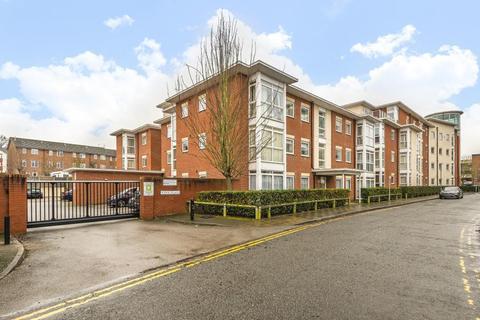 1 bedroom flat for sale - Aylesbury,  Buckinghamshire,  HP21