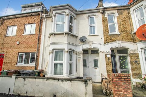 1 bedroom flat for sale - Ashville Road, Leytonstone, London E11