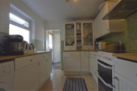 3 bedroom terraced house to rent - Salisbury Road, ROMFORD, RM2
