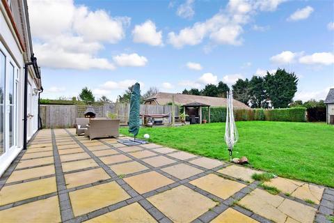 4 bedroom detached house for sale - Amsbury Road, Coxheath, Maidstone, Kent