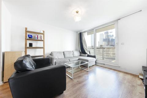 2 bedroom apartment for sale - Hanover House, St George Wharf, SW8