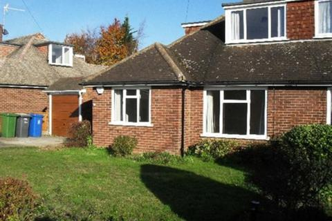 3 bedroom detached bungalow to rent - Highway Avenue, Maidenhead, Berkshire, SL6