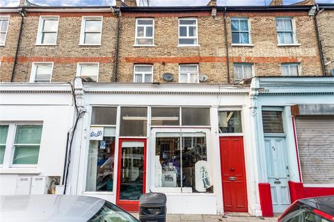 4 bedroom terraced house to rent - Gillespie Road, London, N5
