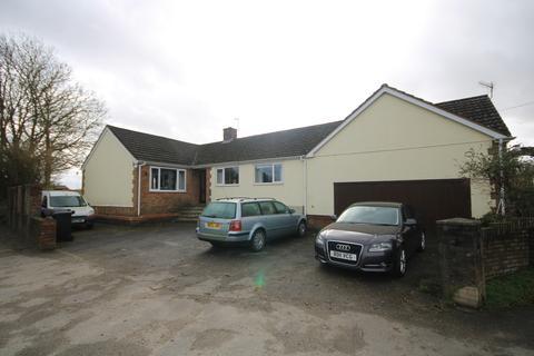 3 bedroom detached bungalow to rent - Netherhampton Road, Netherhampton