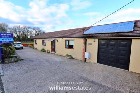 3 bedroom semi-detached bungalow for sale - Ffynnongroyw, Holywell