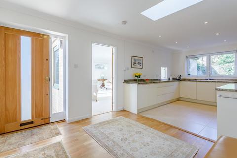 3 bedroom detached bungalow for sale - Barton Road, Cambridge