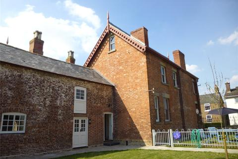 2 bedroom flat to rent - City House Flat, Four Crosses, Llanymynech, Powys, SY22