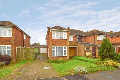 3 bedroom semi-detached house for sale - Forrest Crescent, Stopsley, Luton, Bedfordshire, LU2 9AR