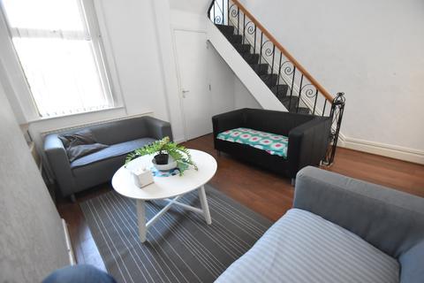 3 bedroom house to rent - Strathnairn Street, Roath, Cardiff