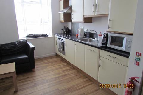 Studio to rent - Portland House, 58-60 The Kingsway,