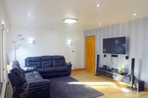 3 bedroom semi-detached house for sale - Honister Place, Stanmore