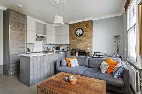 2 bedroom flat for sale - Battersea Rise, Battersea, London, SW11